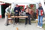 Vinařští turisté pochodovali slováckými vinohrady.