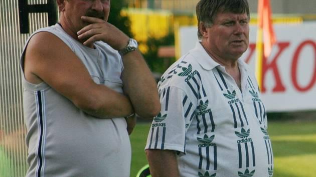 Petr Vyškovský (vpravo) dotáhl Starý Poddvorov do čela okresního přeboru.