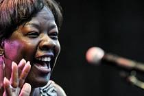 Americká bluesová zpěvačka Wanda Johnson.