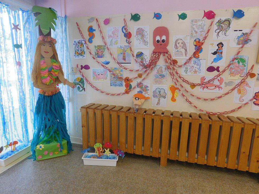 V kyjovské nemocnici mají unikátní službu, herní asistentky pomáhají především dětským pacientům.
