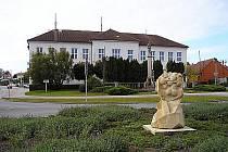 Základní škola a Mateřská škola Jaroslava Dobrovolského v Lužicích.