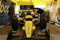 Formule Reynard 032 F3 Michala Novického.