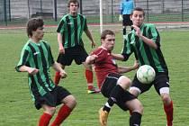 Fotbalisté Hodonína (v zelenočerném) zdolali ve 20. kole divize D Spartu Brno 3:1. Záchranářský souboj sledovalo pouze šedesát diváků.