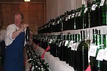 V Moravanech odstartovali sezonu koštů vína.