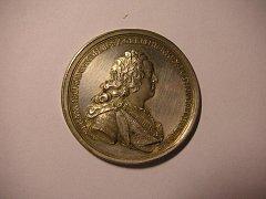 Mince z období vlády císařského manželského páru.