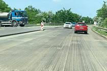 Řidiči projíždějící Rohatcem se po měsíci dočkali konce oprav na silnici 55.
