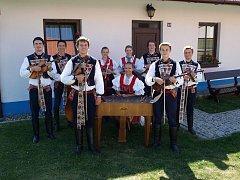 Cimbálová muzika Friška slaví letos deset let od svého vzniku.