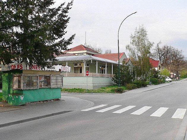 Kavárna na místě domu v Bažantnici.