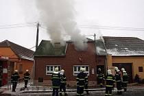 Požár rodinného domu ve Svatobořicích-Mistříně.