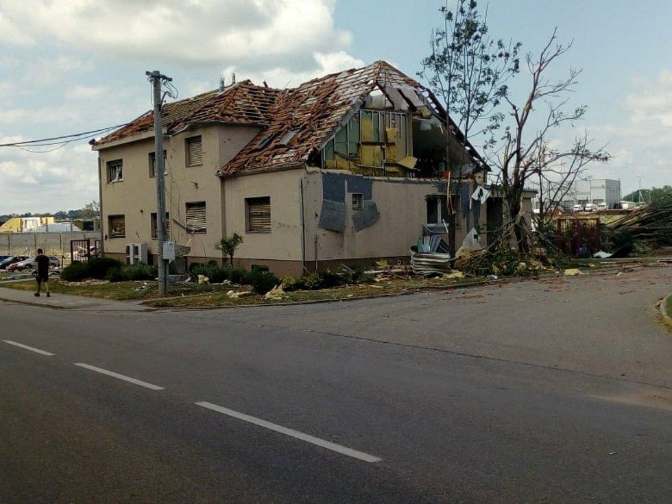 Velkomoravská ulice v Lužicích.