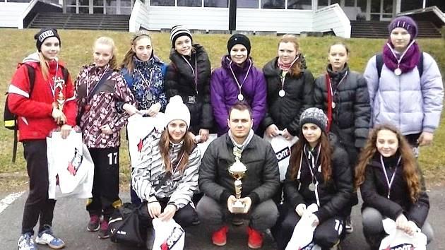 Mladší žákyně HK Hodonín zaznamenaly na začátku letošního roku velký úspěch, když na mezinárodním turnaji v Prešově skončily v konkurenci osmi evropských týmů druhé.