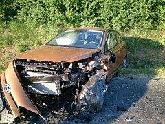 Vážná dopravní nehoda se stala uplynulou sobotu na silnici mezi Loukou a Blatnicí pod Svatým Antonínkem. Při srážce dvou osobních aut se zranili tři lidé.