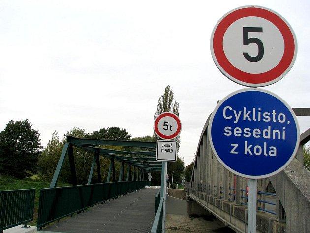 Cyklostezka z Veselí nad Moravou do Moravského Písku.