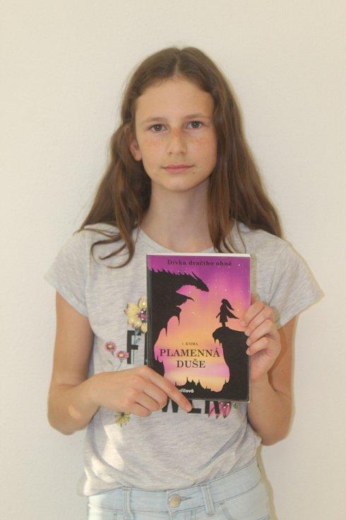 Napsala knihu o dracích. Ve třinácti letech