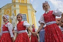 Dvacátý ročník Mezinárodního folklorního festivalu Štěpy představil děti z České republiky i Maďarska a Polska.