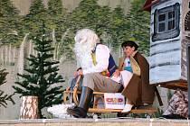 Ochotníci ze Strážovic zahráli divadelní představení podle tradičního ruského filmu Mrazík.