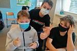 Školáci z Ratíškovic si díky projektovému dni vyzkoušeli práci novináře i tiskové mluvčí.