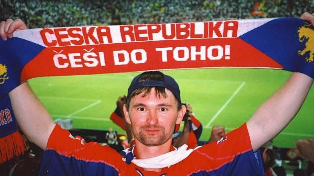 Sportovní fanoušek Přemysl Kouřil z Ratíškovic byl na všech fotbalových šampionátech od roku 1996.