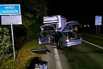 V noci z úterý na středu se u Hodonína srazilo ssobní auto s náklaďákem a ještě autobusem.