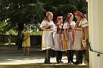 Kroje, lidové písně i tance přilákaly na tradiční Horňácké slavnosti do Velké nad Veličkou stovky lidí.