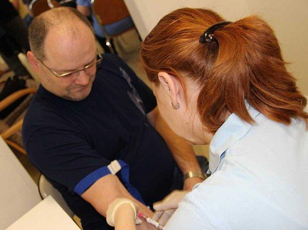 Mužský sbor z Vacenovic daroval krev.
