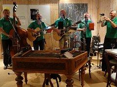 Kapela Starých Časů na turné ve Švédsku představila nové album.