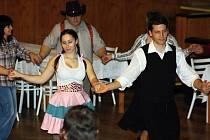 Plesová sezona začala ve Strážnici Country bálem.