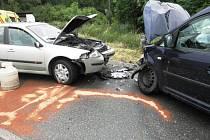 Mokrá silnice i nepřiměřená rychlost. To jsou podle policejních vyšetřovatelů příčiny dopravní nehody dvou osobních aut, která se stala v pátek na silnici u Žádovic.