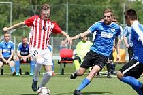 Bohumír Doubravský (vlevo) patří k tahounům brněnského výběru v Superlize malého fotbalu.