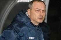 Trenér mutěnických fotbalistů Petr Zemánek (na snímku) měl k výkonu mužstva oprávněné výhrady. Vinaři i tak Velké Pavlovice jasně přehráli.
