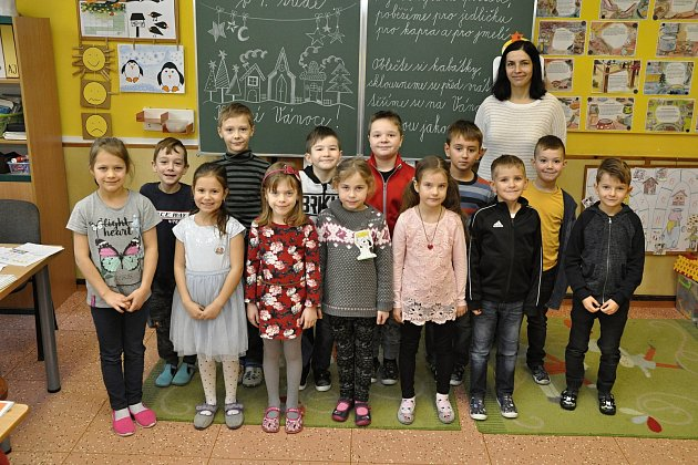 Žáky 1.třídy ZŠ vČejči učí Markéta Prčíková