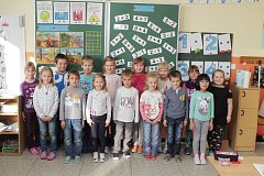 Žáci první třídy Základní školy a mateřské školy v Miloticích.