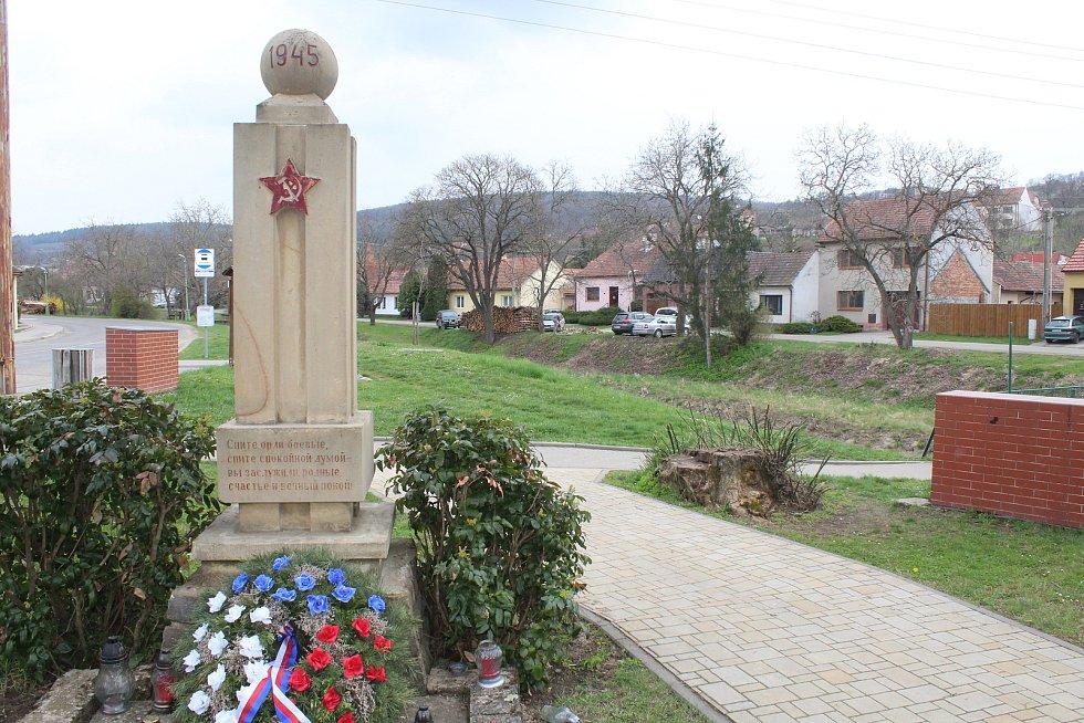 I památník věnovaný obětem druhé světové války se má dočkat zrestaurování.