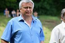 Fotbalistům Uhřic šéfuje od roku 2010 Petr Meduna (na snímku), který se na rozdíl od svých předchůdců dočkal postupu do krajské soutěže.
