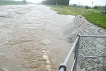 Řeka Morava u Hodonína v pondělí 17. května po 16.00