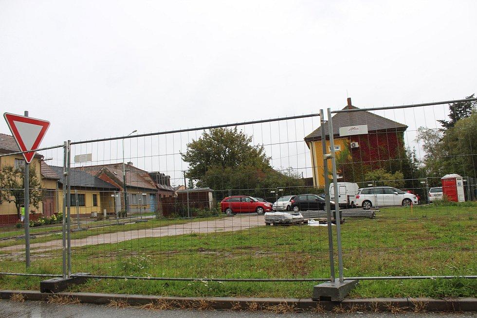 Místo, kde v Ratíškovicích vyroste nový bytový dům Ulička 1435.