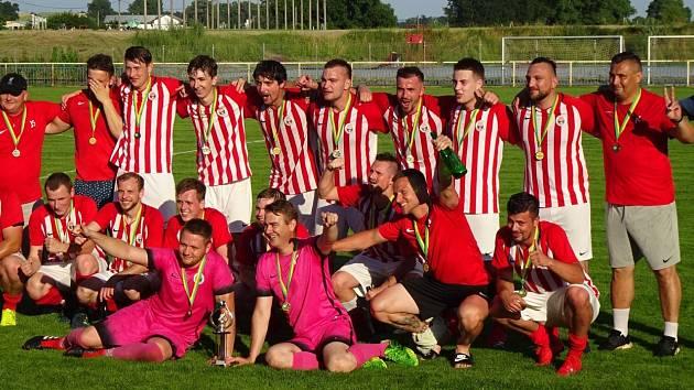 Fotbalisté Dolních Bojanovic slavili vítězství v Okresním poháru.