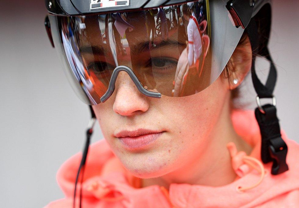 Cyklistka Veronika Bartoníková.