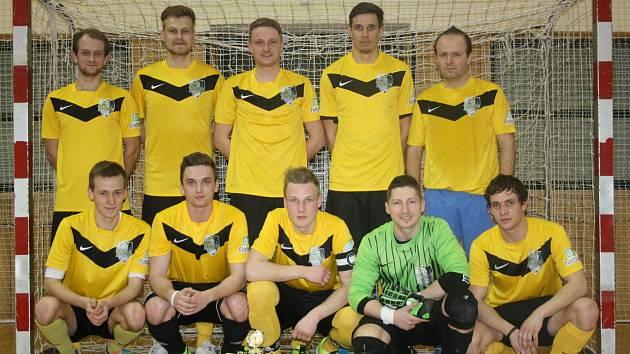 Futsalisté Veselí nad Moravou porazili ve finálovém turnaji okresního poháru FAČR, který v sobotu večer hostila hodonínská sportovní hala TEZA, Magic Krystals i Duklu.