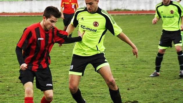 V sestavě Hodonína se nečekaně objevil Vojtěch Bartoněk (vlevo), který týmu pomohl gólem k důležité výhře ve Spytihněvi.