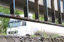 Jeden z dvojice mostů u Hodonína, který čeká v nejbližších týdnech oprava.