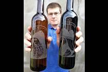 Majitel Velkomoravského vinařství Jiří Kosík připravil k oslavě příchodu věrozvěstů speciální směs červeného a bílého vína, takzvané cuvée.
