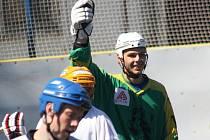 Opora hodonínského Rigumu Michal Kuba se raduje ze čtvrtého gólu. Favorit nakonec vyhrál druhé finále až po prodloužení.
