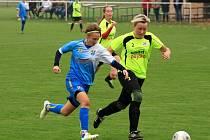 Fotbalistky Vlkoše (v modrých dresech) prodloužily na hřišti Kostelce na Hané vítěznou sérii, když ve druhém kole ženské  divize B zvítězily 2:1.