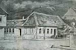 """Pohled na ulici Anenskou a hostinec """"Koutník"""". Ve středověku zde bývala škola a během první republiky zde točil pivo pan Koutník."""