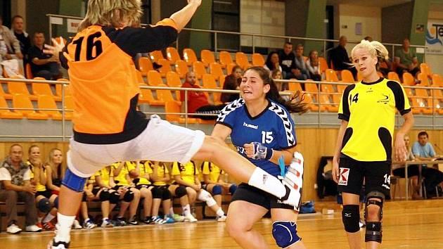 Brankářka Hodonína Dagmar Beranová se blýskla proti Senici několika parádními zákroky. Domácí dorostenky nakonec prohrály se slovenským týmem 34:40.