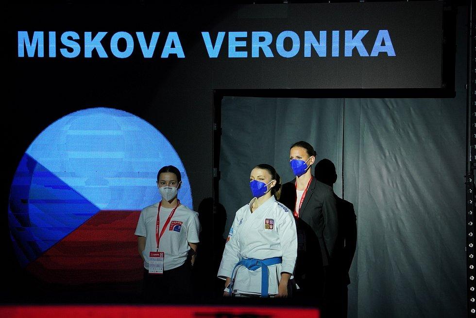 Karatistka Veronika Mišková se nakonec na olympiádu do Tokia nepodívá.