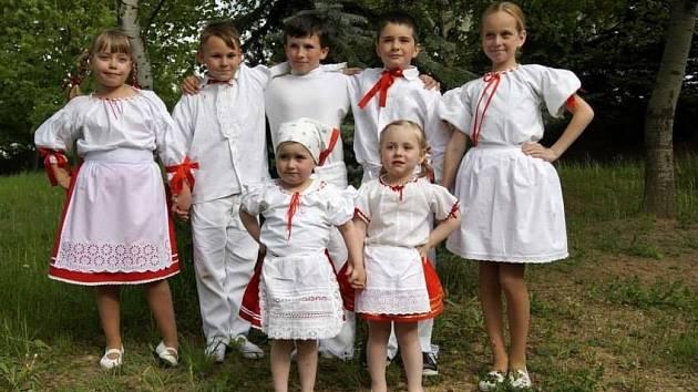 V Násedlovicích vznikl nový folklorní soubor Násedlováček.