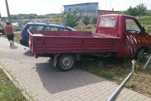 Nehoda dodávky a osobního auta vMoravském Písku.