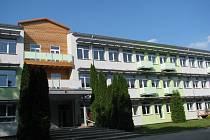 Bývalé hornické učiliště přestavěné na pasivní bytový dům.